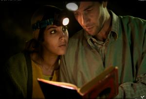 Por falta de eletricidade, era preciso utilizar lanternas de mineração para poder ler ou escrever.